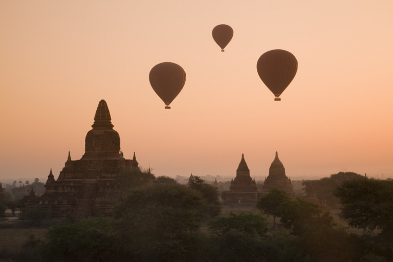 Myanmar - Ballons over Bagan
